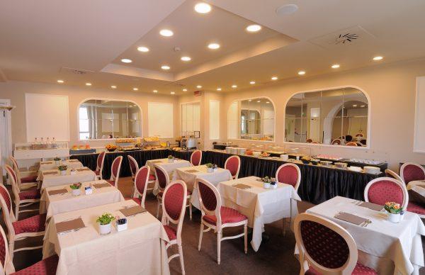 iH Hotels Milano Ambasciatori- Breakfast room